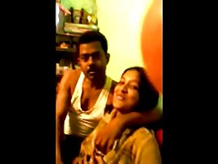 Northindian girl sucking bf..