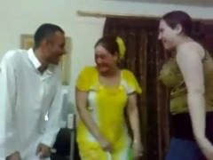 iraqi X girl dance with a..