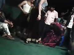 INDIAN GIRL DANCE SHOW BOOBS