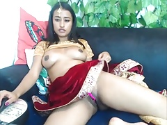 Beautiful Indian camslut..