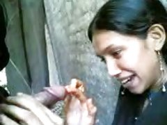 indian girls suck his bf..